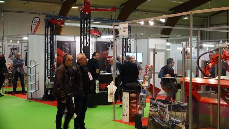 Exposition de machines-outils et d'équipements